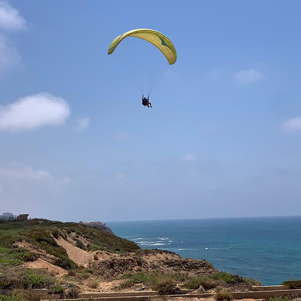 Sea sport students experienced paragliding in the har suf area