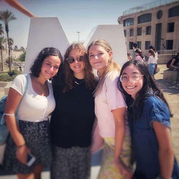 Hannah, liora, emily and jade. Looking fabulous ladies!